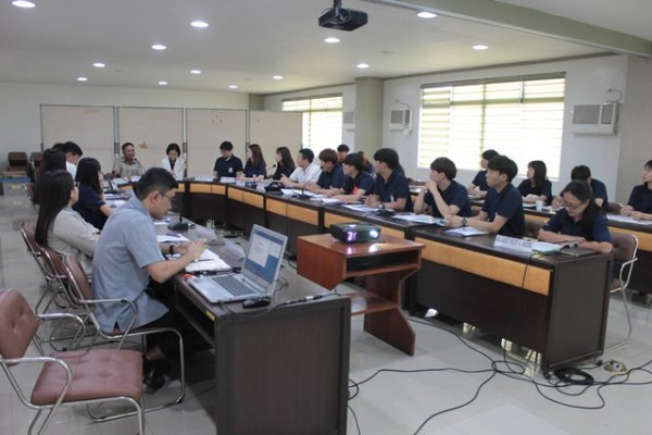 NEDA Western Visayas orients Yeungnam University on RDP